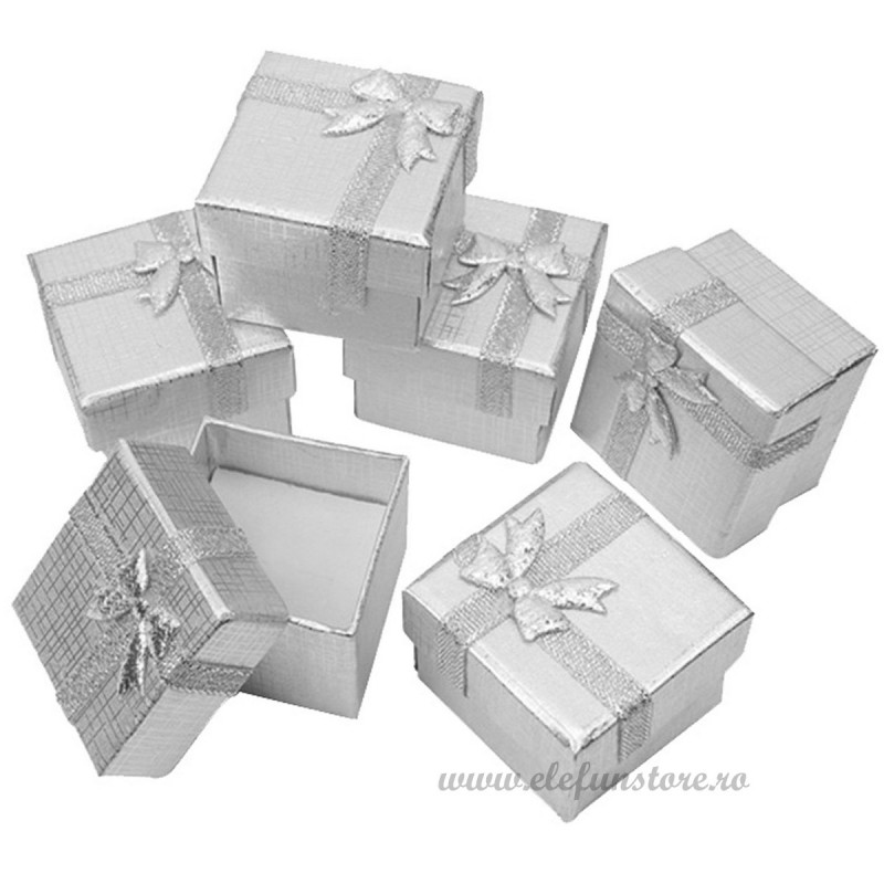 Cutiuta argintie cu fundita 4 cm